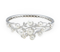 Purchase Fine Occasion Jewelry: Diamond & Pearl Bracelet | Price - $8,575.00